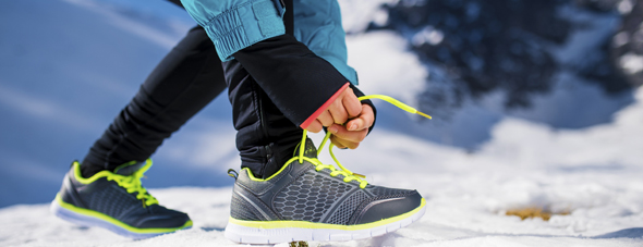 How to Safely Run Outside In the Winter